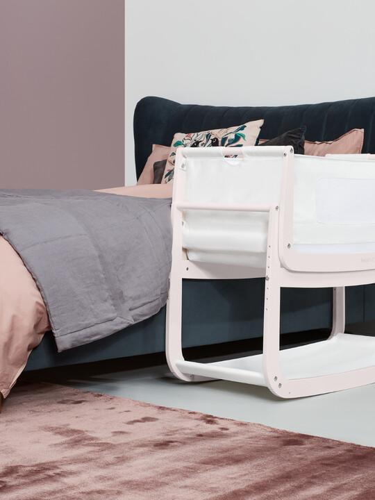 مهد سنوزبود⁴ لجانب السرير - أبيض روز/ وردي image number 3