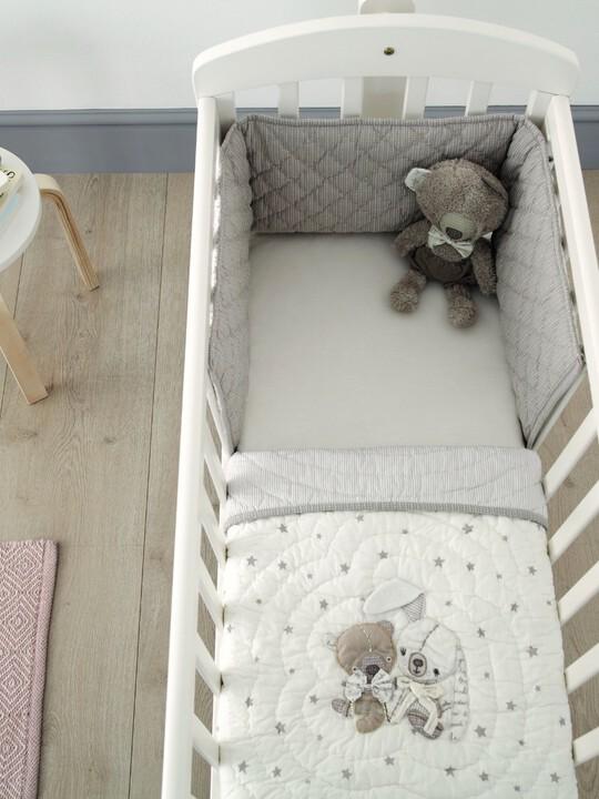 طقم لسرير الأطفال من Millie & Boris image number 2